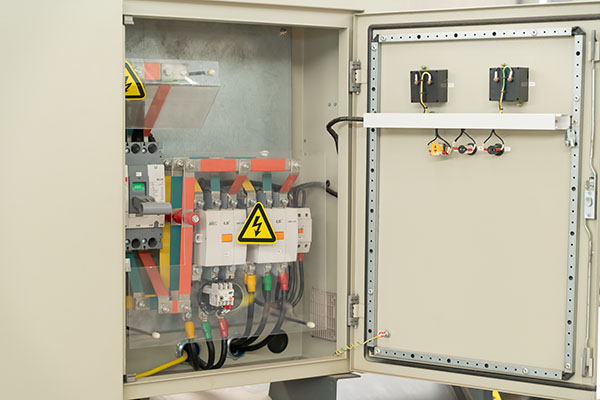 水冷机组控制器